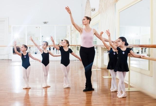 子どもがバレエを始めるメリットは?