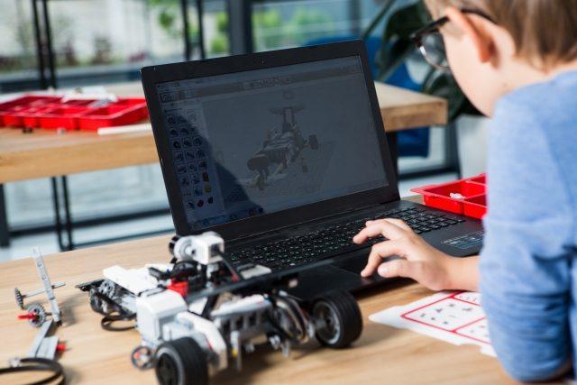 小学生におすすめの知育玩具プログラミング
