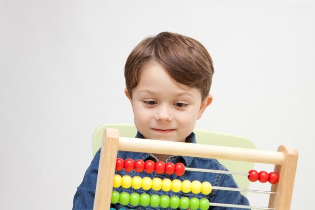 小学生におすすめの知育玩具9選
