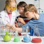 百聞は一見にしかず?子供が体験学習できる「サイエンス教室」を5選紹介!