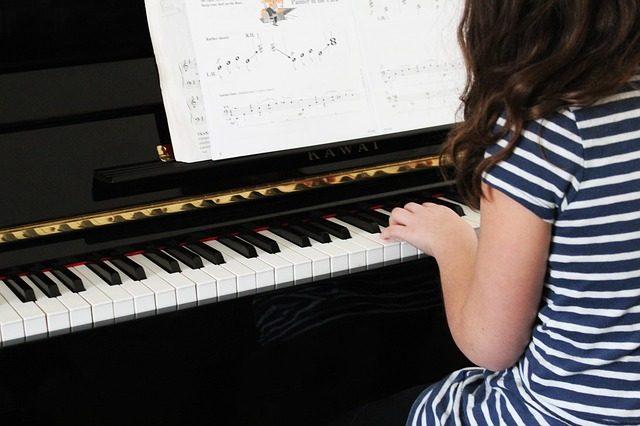 女の子に人気の習い事ピアノ
