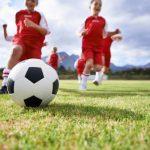 【子供の習い事】サッカーの7つのメリット・デメリットは?いつから?費用は?体験談も解説!