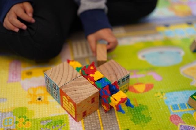 知育玩具の選び方のコツ