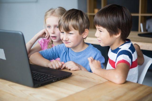 子供のプログラミング教室はいつから