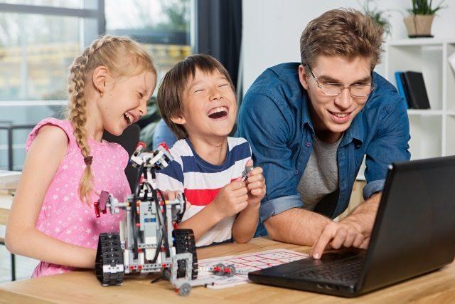子供のモノづくり「ロボット教室」