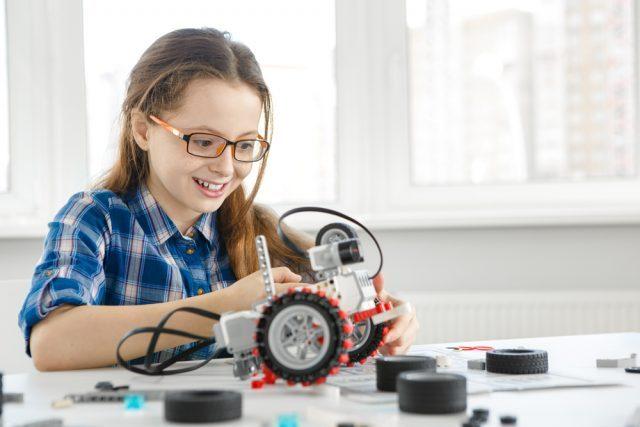 子どものプログラミング教室で身につく集中力