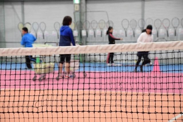 子供の習い事テニス