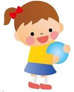 運動玩具で遊ぶ幼児