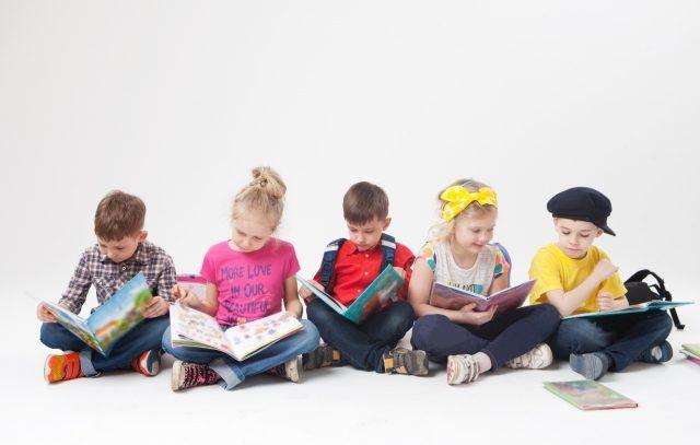 子供の絵本の読み聞かせのコツとは