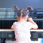 ピアノが脳にいい?子供の習い事におすすめする5つの理由とは!