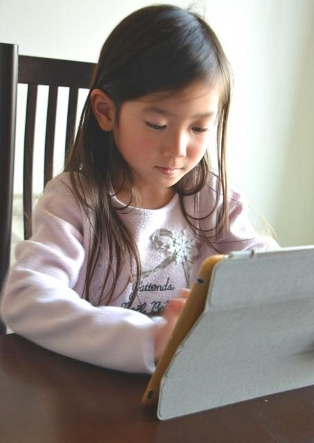 小学生にスマイルゼミをおすすめできる理由と特徴