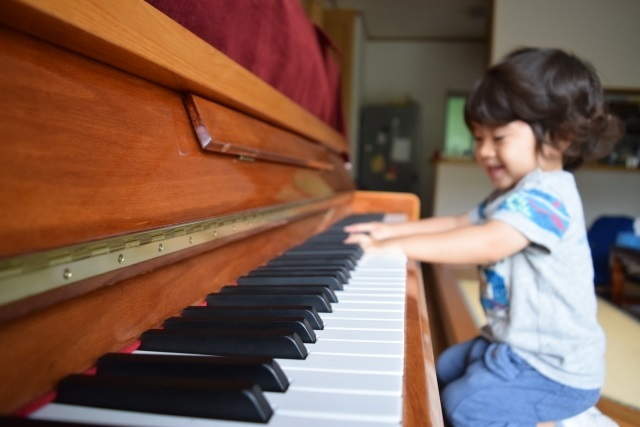 子供の習い事を家でも練習しているか
