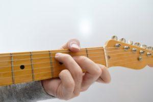 中学生に向いている習い事ギター