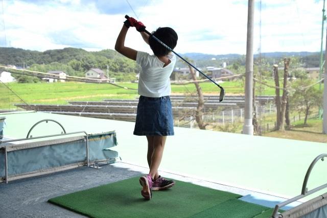 子供の習い事ゴルフの費用は?
