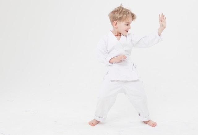 子どもの空手道着は専用のものを用意する