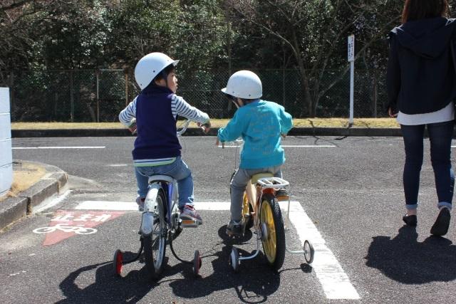 子供の自転車の練習ができるのは交通公園