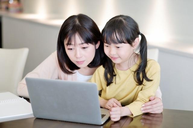 子どものプログラミングは無料ツールを使う