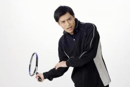 長袖のジュニアテニスウェアおすすめ人気選