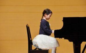 子供用ピアノ発表会ドレスの選び方