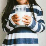 【学童期】摂取したい栄養素はカルシウムと鉄!栄養士がおすすめする食材と役割を解説!